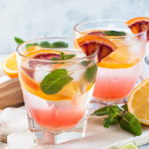 Čaša za vodu i duga pića